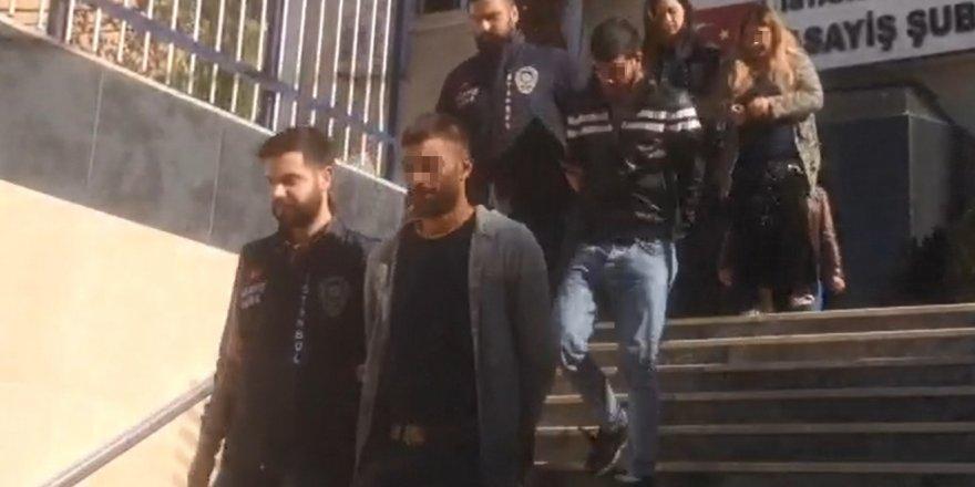 TEM'de polisten kaçan hırsızlar kamerada