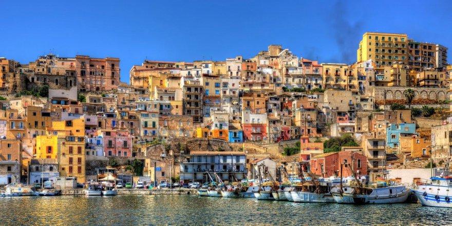 Adanın nüfusunu artırmak için ücretsiz ev veriyorlar!