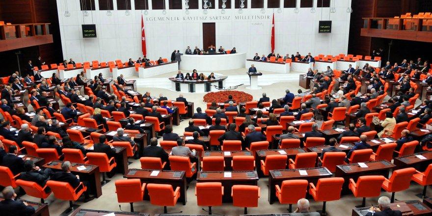 Ekonomik kriz vatandaşın belini bükerken 8.si Mecliste açılıyor!