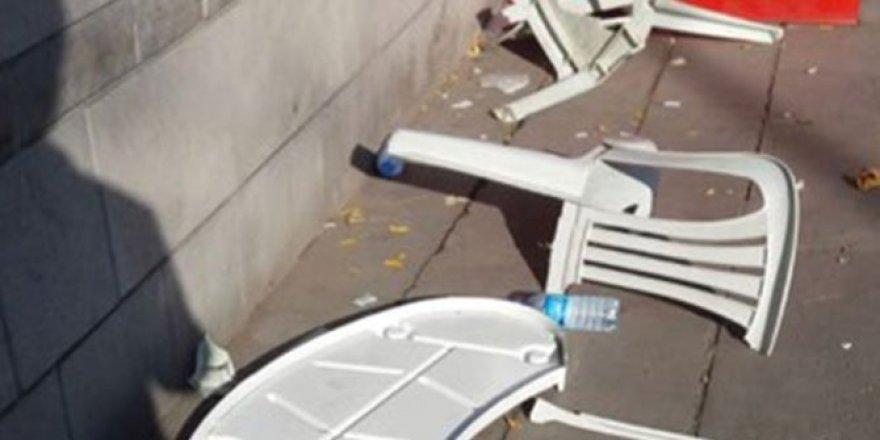 İYİ Parti'nin standına saldırı