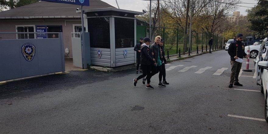 Başörtülü öğretmene saldıran kadın tutuklandı!