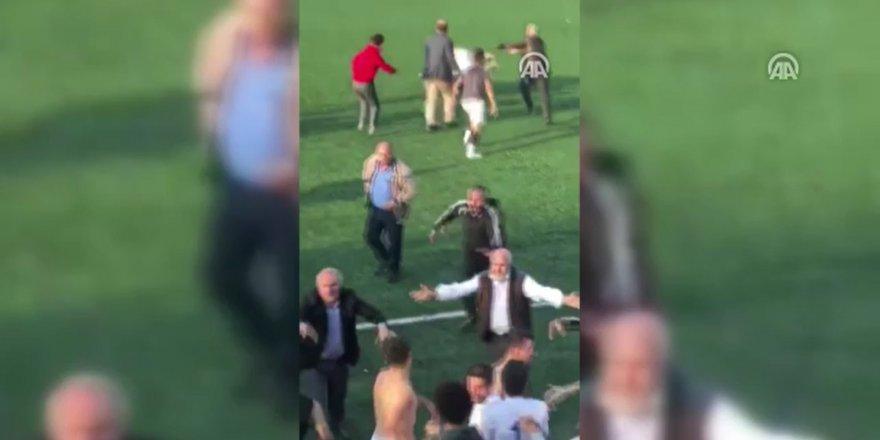 Amatör lig maçında büyük kavga! Ortalık karıştı