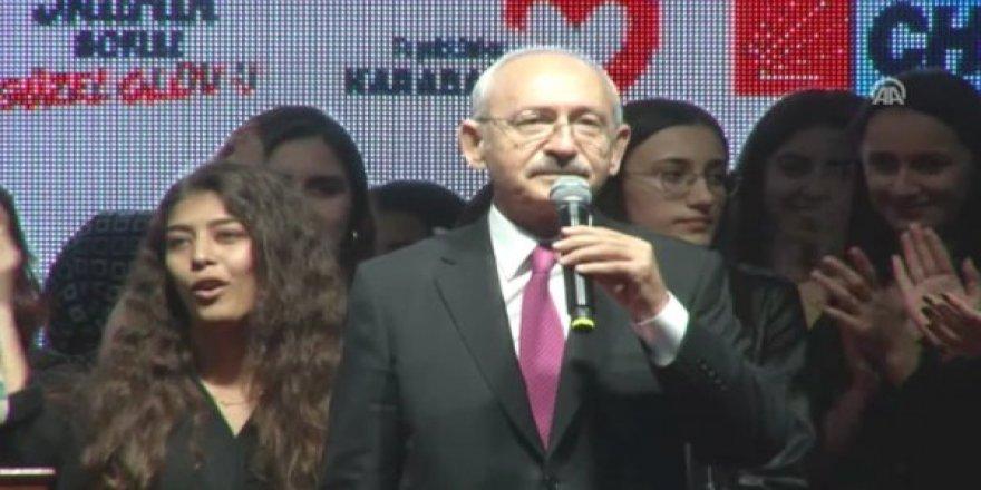 Kılıçdaroğlu'nun sözleri kızın yüzüne böyle yansıdı!