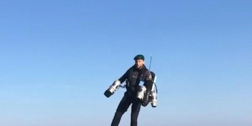 Roket adam İngiliz Donanmasına ait uçak gemisinde test uçuşu yaptı