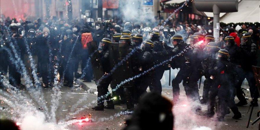 Paris'te polis Türk foto muhabirini yaraladı
