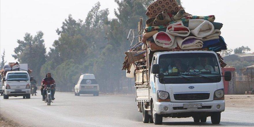 25 bin sivil Türkiye sınırında!