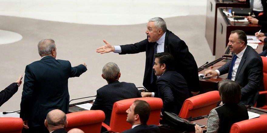 AKP ile HDP arasında 'deli' tartışması