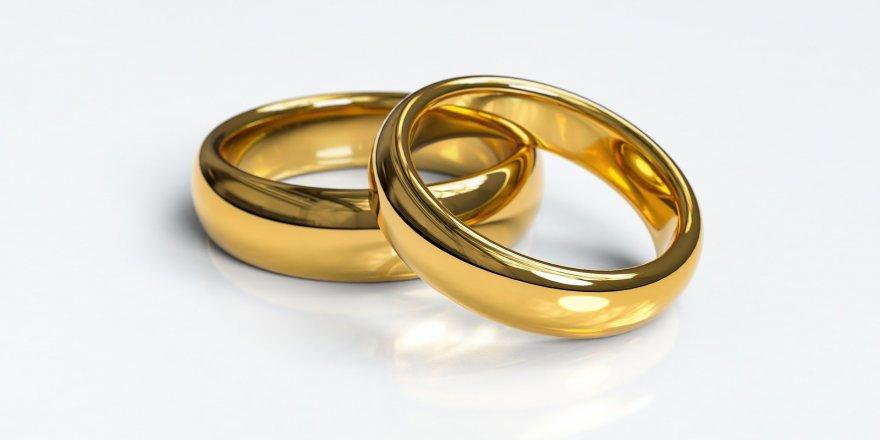 Seçim sandığından evlilik yüzüğü çıktı