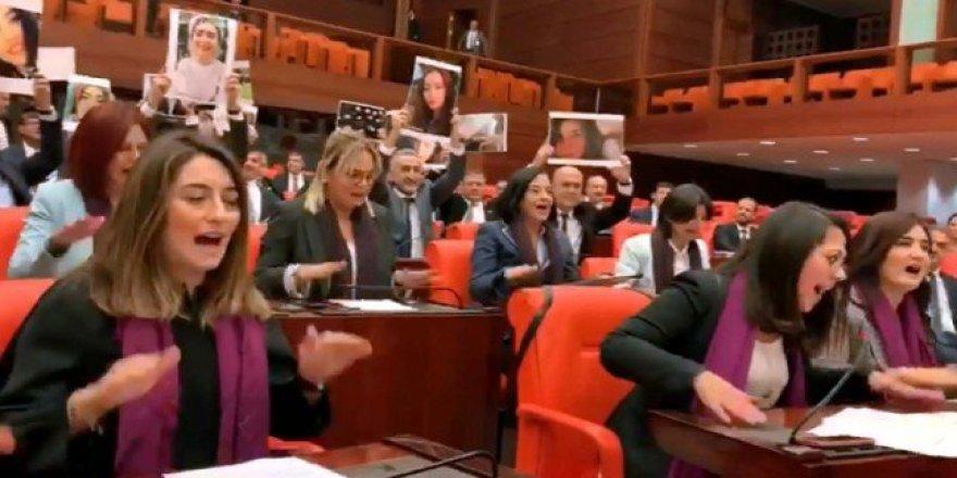 "CHP'li kadınlardan TBMM'de ""Las Tesis"" eylemi"