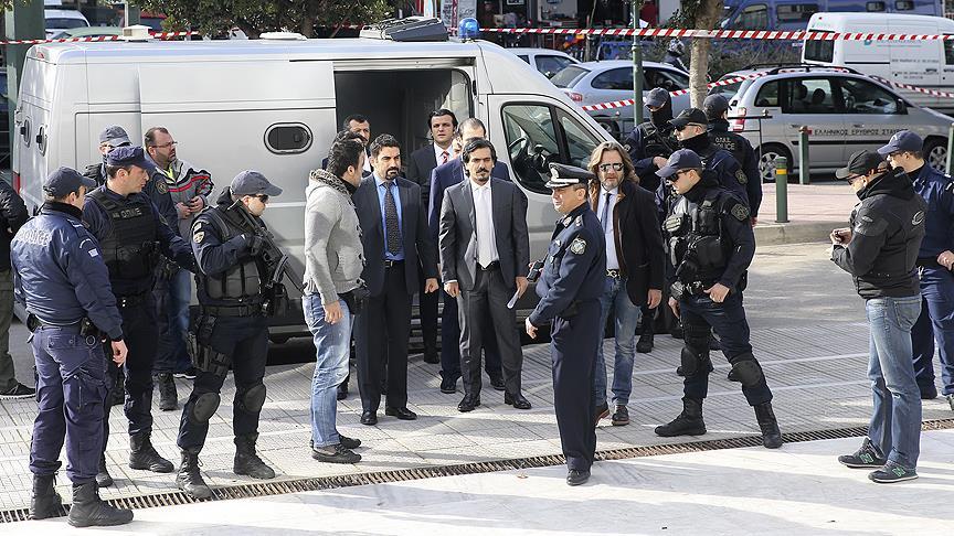 8 askerin Türkiye'ye iadelerine ilişkin karar