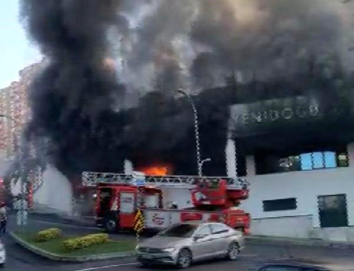 İstanbul'da özel bir okulun alt katında yangın çıktı!
