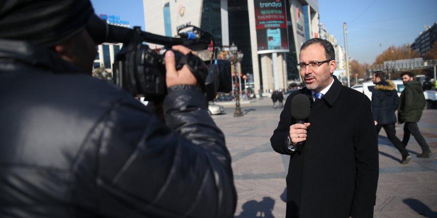Bakan Kasapoğlu Kızılay'da muhabirlik yaptı