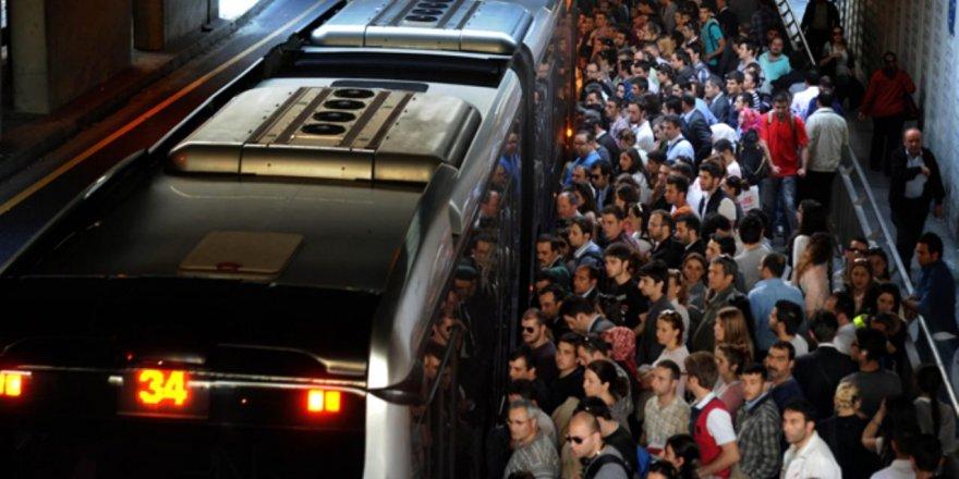 İETT, Çin'in nüfusu kadar yolcu taşıdı!