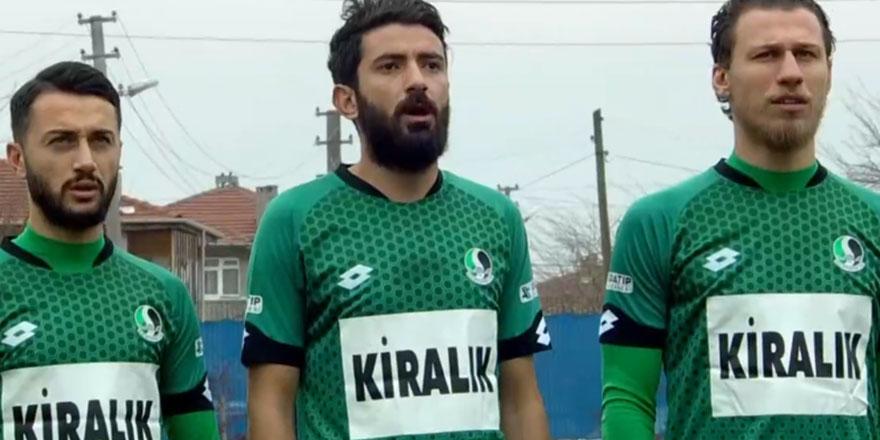 Sakaryaspor lig maçına 'kiralık' yazısıyla çıktı!