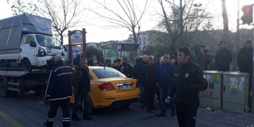Güngören'de kaza: Tramvay seferleri yapılamıyor