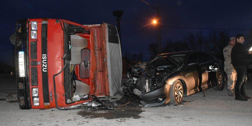 Sivas'ta feci kaza: 6 yaralı