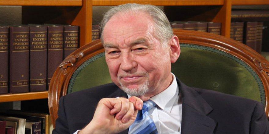 Ünlü Alman diplomat Murad Wilfried Hofmann hayatını kaybetti