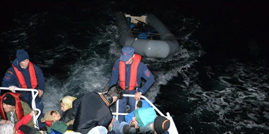 İzmir'de 221 kaçak göçmen yakalandı