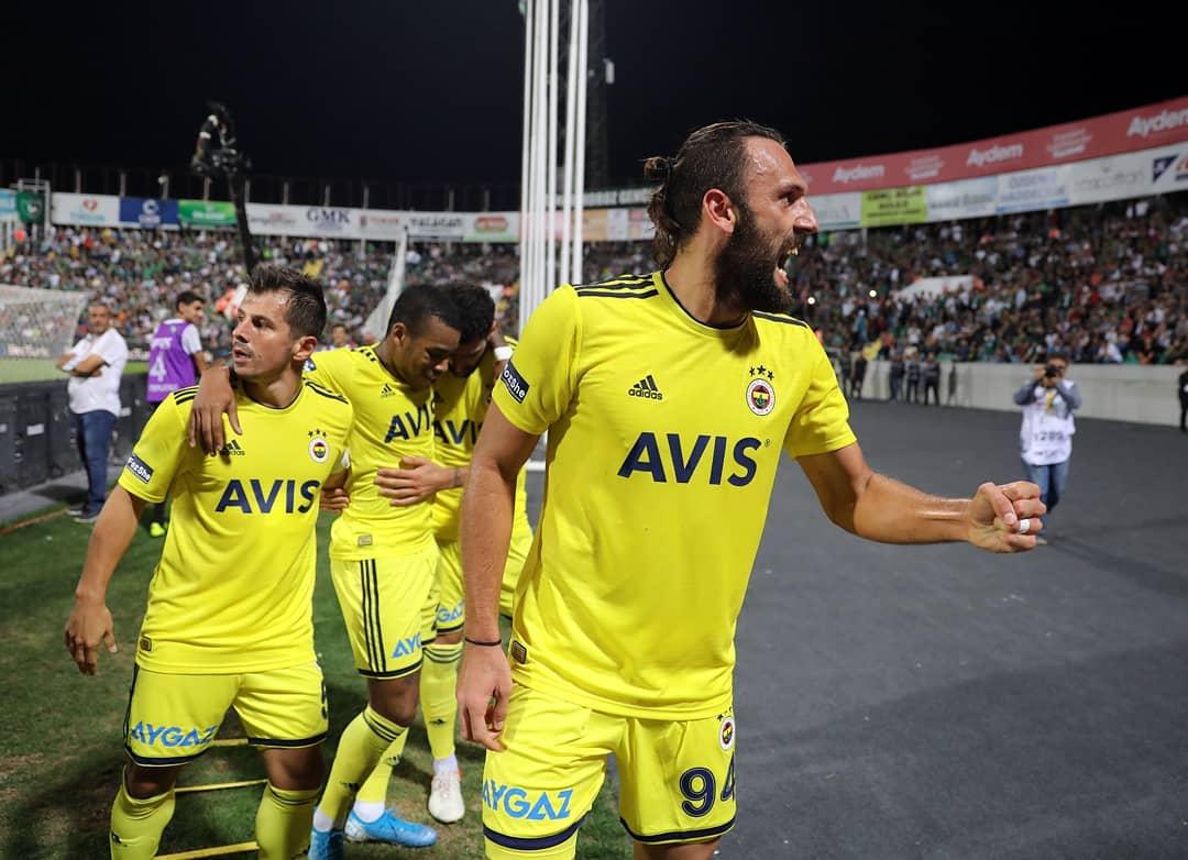 Fenerbahçe'ye Vedat Muriqi şoku