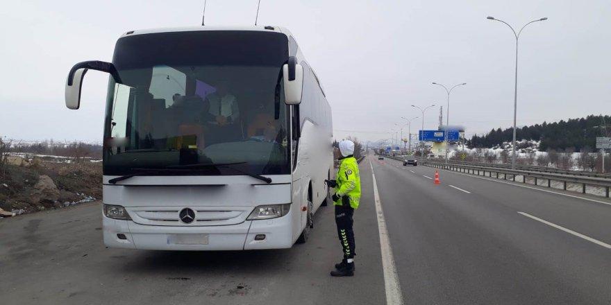 Şehirler arası otobüsler denetlendi, 351 araç trafikten men edildi