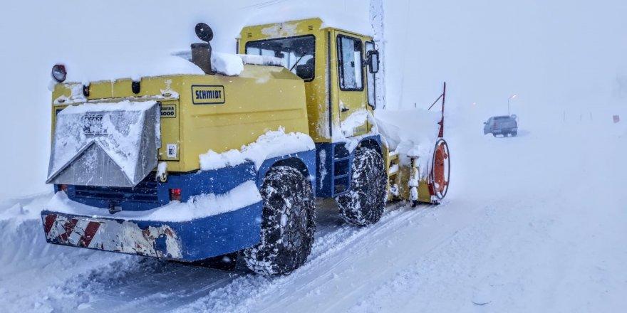 Amasya'da kar ile mücadele sürüyor