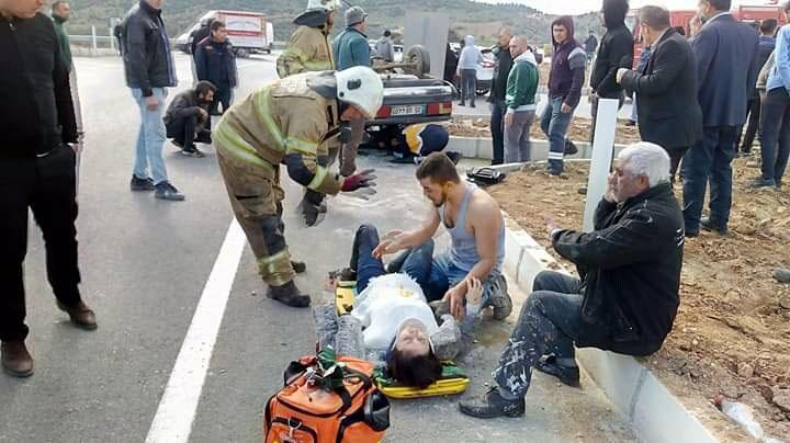 İzmir'de kaza! Hamile eşinin yanından ayrılmadı