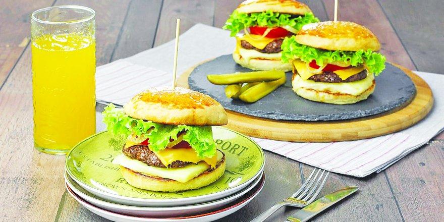 Karnesini getirene bedava hamburger