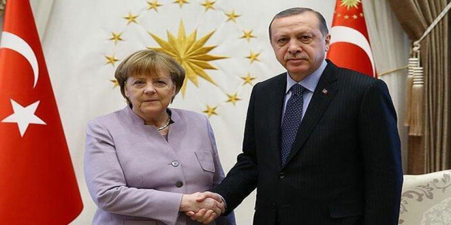 Erdoğan, Merkel'le görüşecek