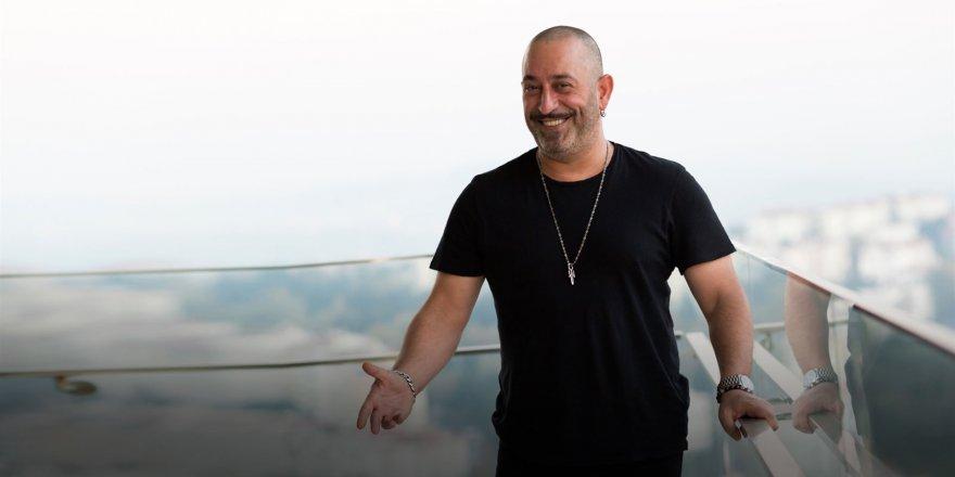 Cem Yılmaz'dan Beyaz TV'ye 'İlluminati' isyanı!