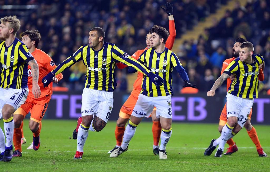 Fenerbahçe'de Başakşehir'e karşı ezici üstünlük