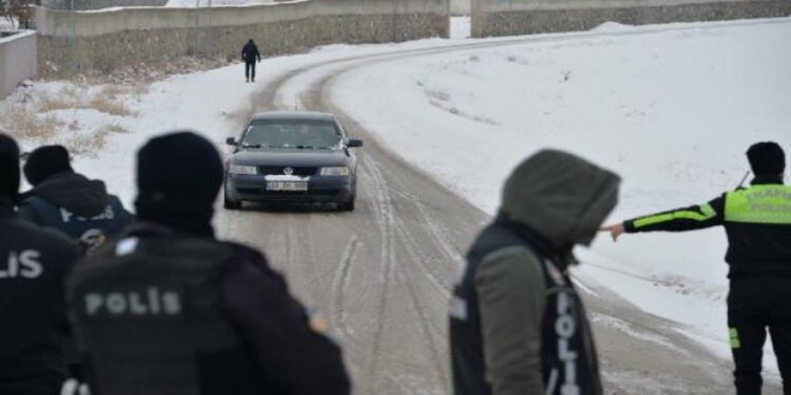 81 ilde 'huzur ve güven' uygulaması: Aranan 3 bin 179 kişi yakalandı