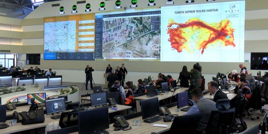 Deprem bölgesinde enkazları drone'lar tespit etti
