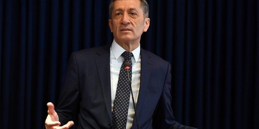Milli Eğitim Bakanı Ziya Selçuk'tan Elazığ'daki okullarla ilgili açıklama
