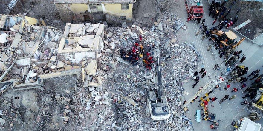 Elazığ depreminde yıkılan binalarda dere kumu kullanılmış