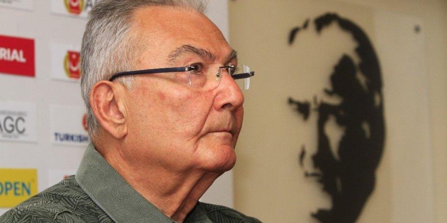 Eski CHP lideri Deniz Baykal'dan müjdeli haber