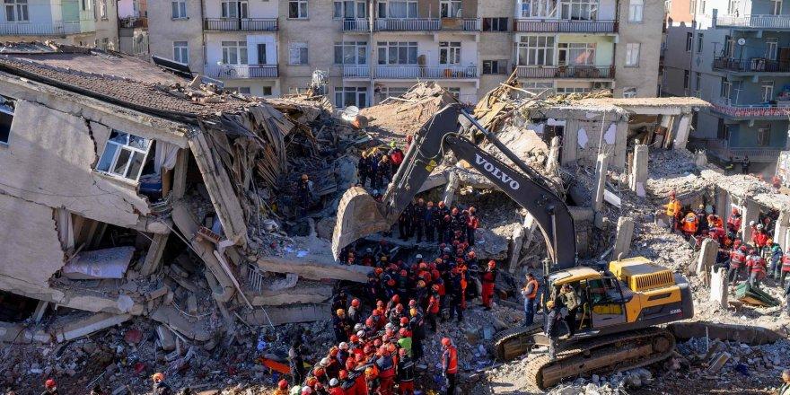 Uzmanlar uyarıyor: Deprem üfürükçüleri bilgi kirliliği yaratıyor