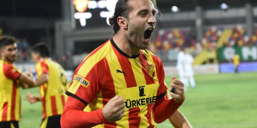 Galatasaray'dan Fenerbahçe'ye Alpaslan Öztürk çalımı