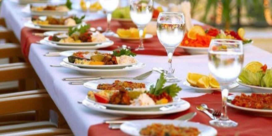 Türk halkı ev dışında 110 milyar lira yedi!