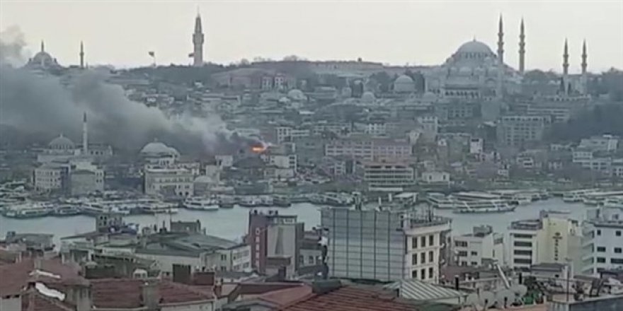 Eminönü'nde yangın!