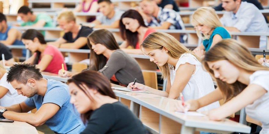 Ekonomik kriz öğrenciyi de vurdu: MEB bursları yatıramadı!