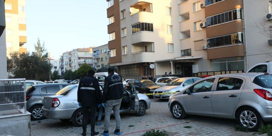 İzmir'de eski sevgili sokak ortasında kurşunladı
