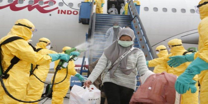 Endonezya, coronavirüse karşı spreyle önlem aldı