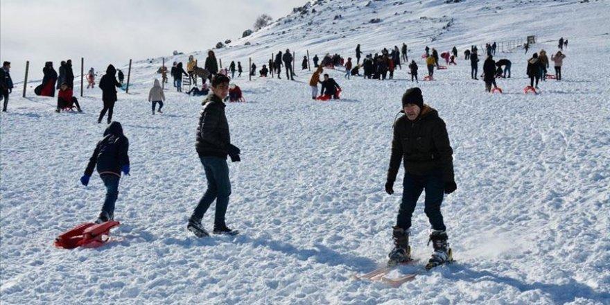 Murat Dağı'nda yarıyıl tatili yoğunluğu