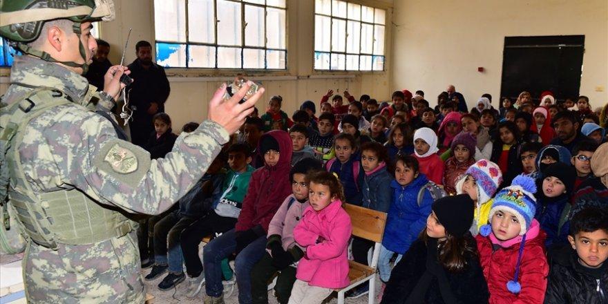 Barış Pınarı bölgesinde okullarda mayın ve EYP eğitimi