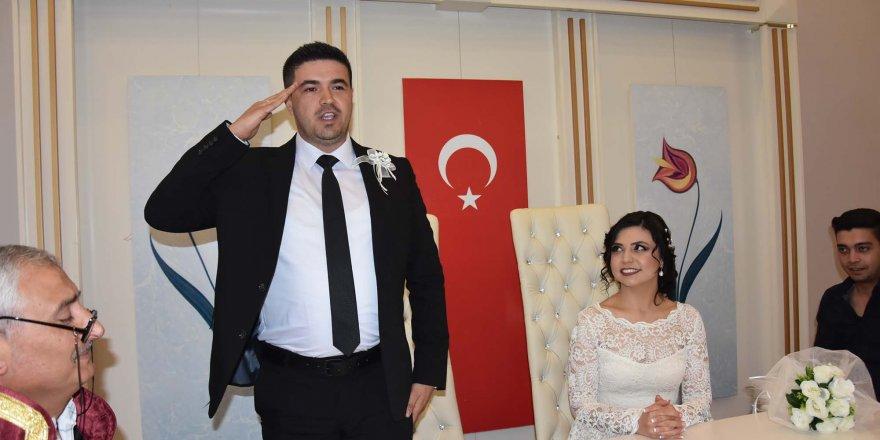Bursa'da uzman Çavuş, asker selamıyla 'evet' dedi