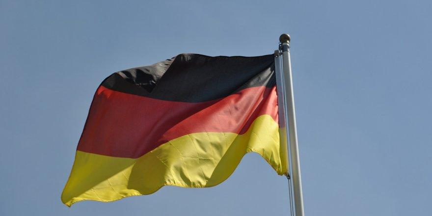 Almanya'da 7 Türk daha korona virüsten hayatını kaybetti