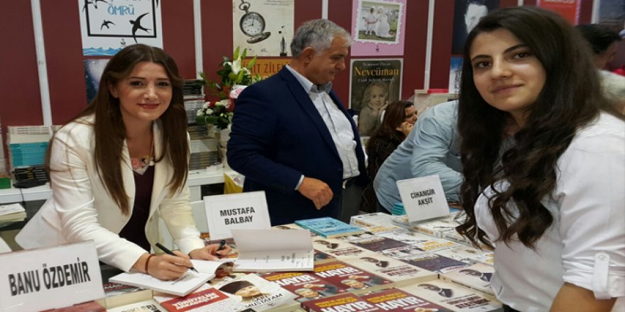 """""""Çav bella"""" marşını Twitter'dan paylaşan Banu Özdemir hakkında flaş gelişme"""
