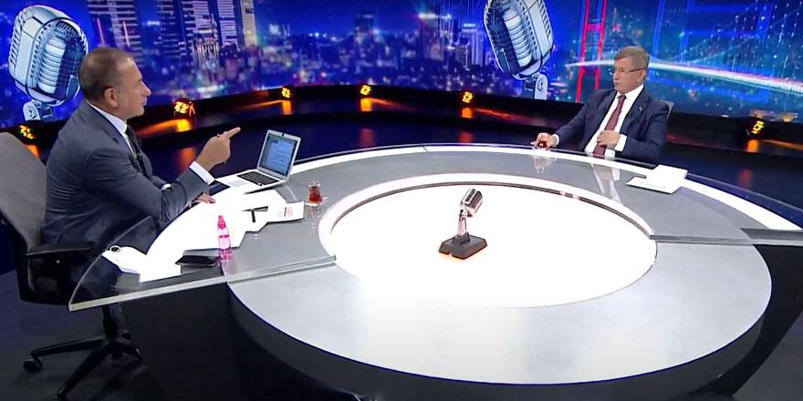 """Davutoğlu'ndan Erdoğan'a çok sert sözler... """"Beni çakalların arasında yalnız bıraktı"""""""