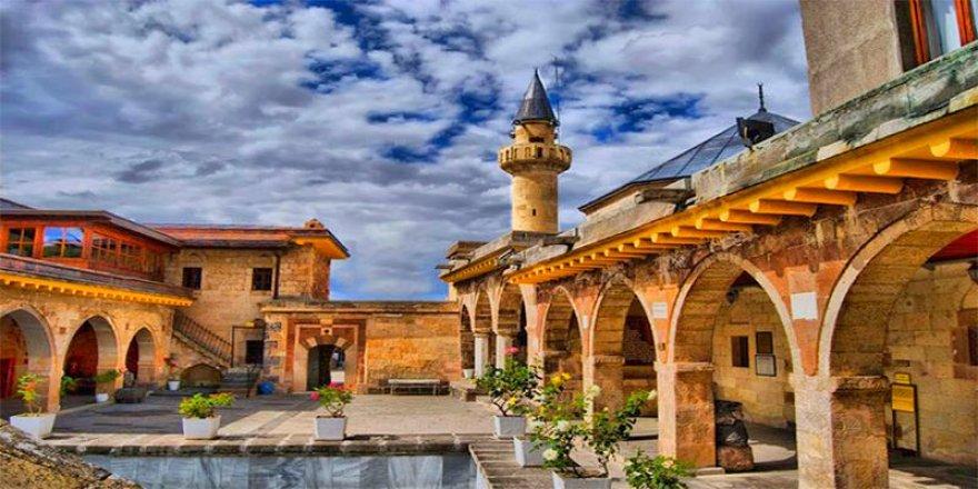 Ayasofya kararının ardından Alevilerden Hacı Bektaş Veli Müzesi