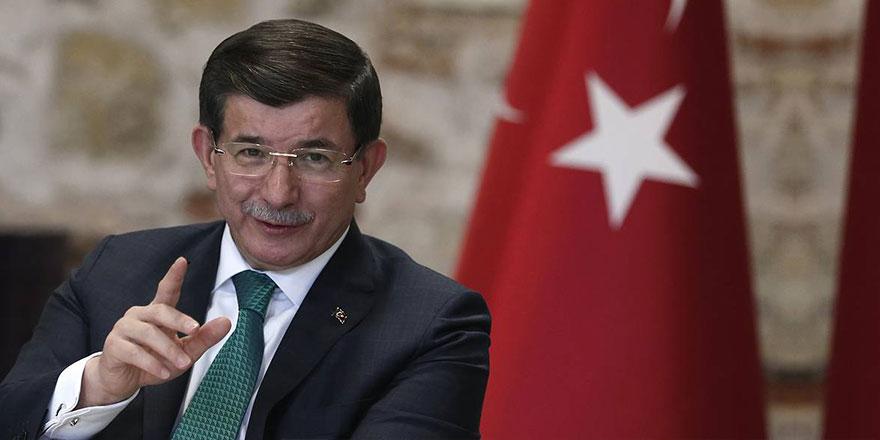 """Davutoğlu: """"Sizinkiler reklamcılıkla, bizimkiler müteahhitlikle tanışınca..."""""""